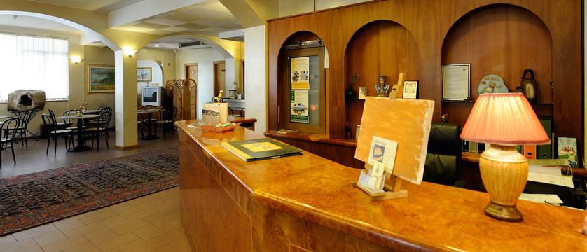 Hotel Trasimeno Lobby.jpg